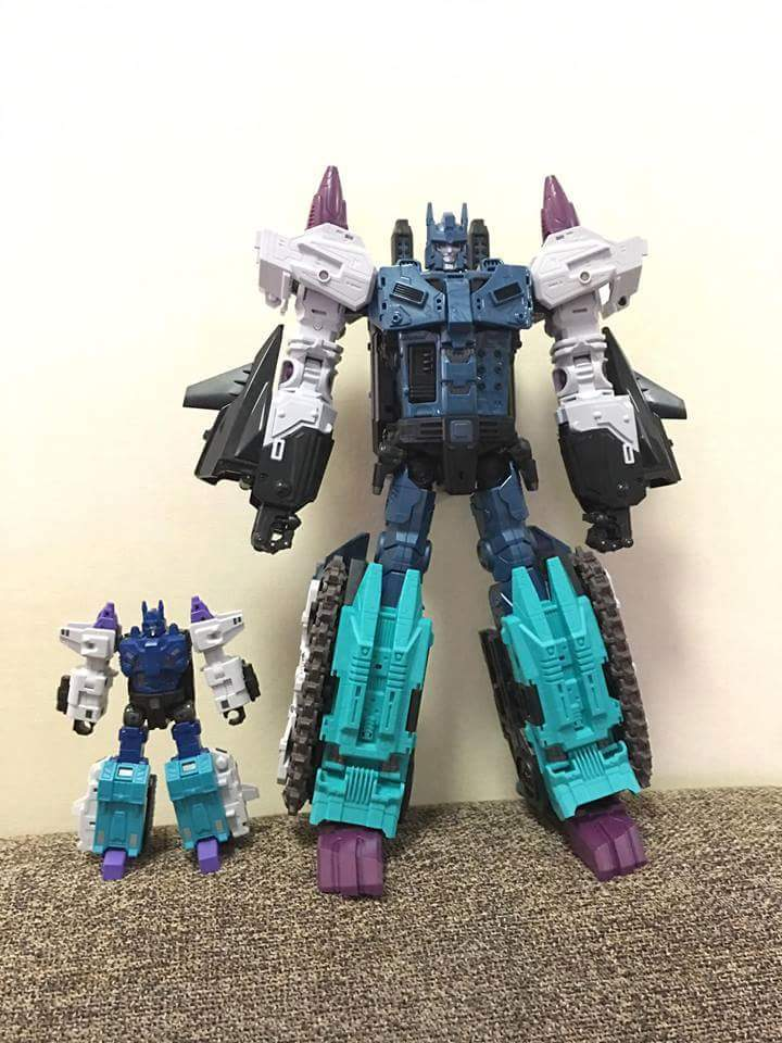 [Mastermind Creations] Produit Tiers - R-17 Carnifex - aka Overlord (TF Masterforce) - Page 3 FU5T9jBm