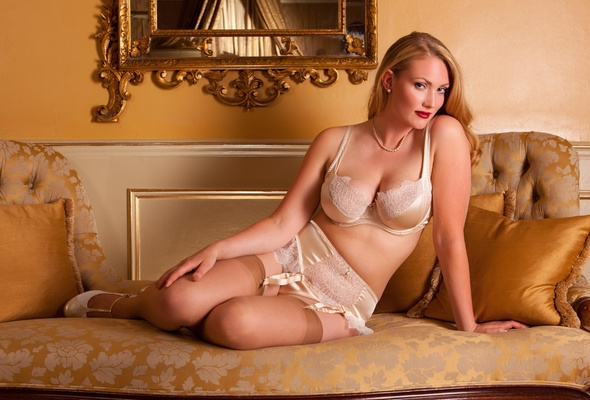 Blonde mature in bed