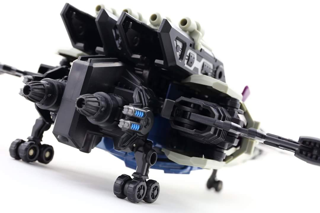 [Mastermind Creations] Produit Tiers - R-17 Carnifex - aka Overlord (TF Masterforce) - Page 3 YFuULNwt