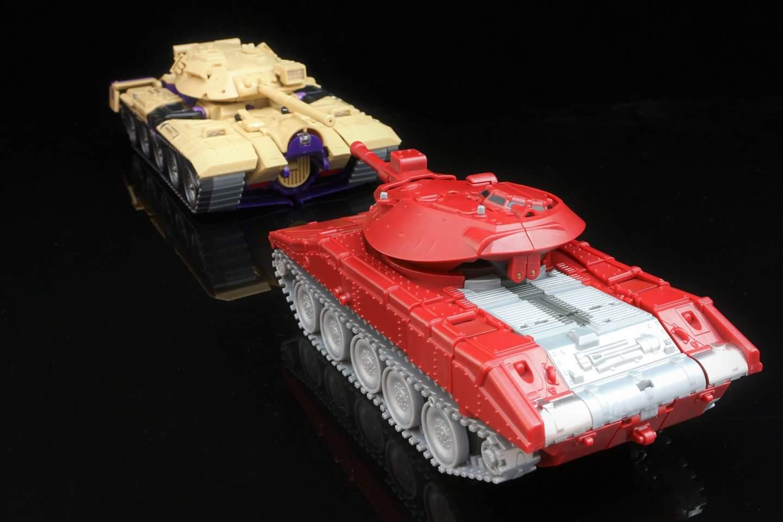 [KFC Toys] Produit Tiers - Jouet Phase 7-A Ditka - aka Blitzwing/Le Blitz - Page 4 HPSVnIne