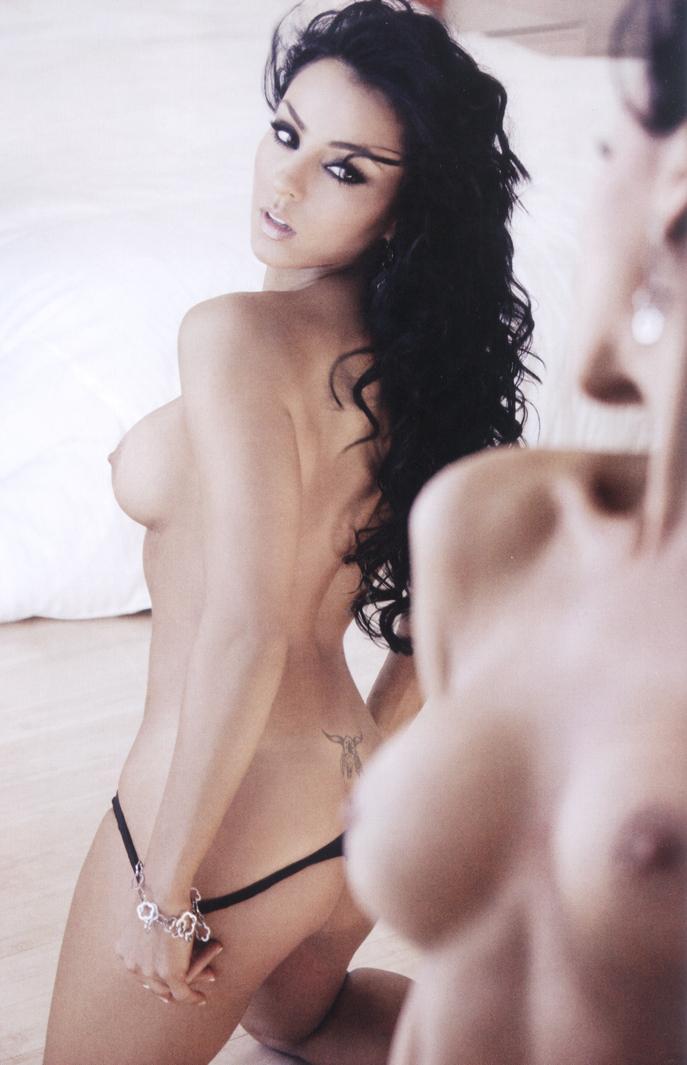 extremo escoltas desnudo