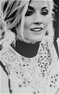 Emily Kinney. O7WQHeA6