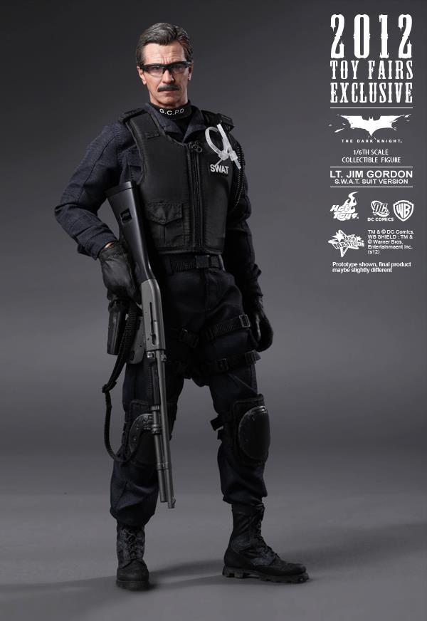 The Dark Knight: Lt. Jim Gordon Collectible Figure Aab3UGDH
