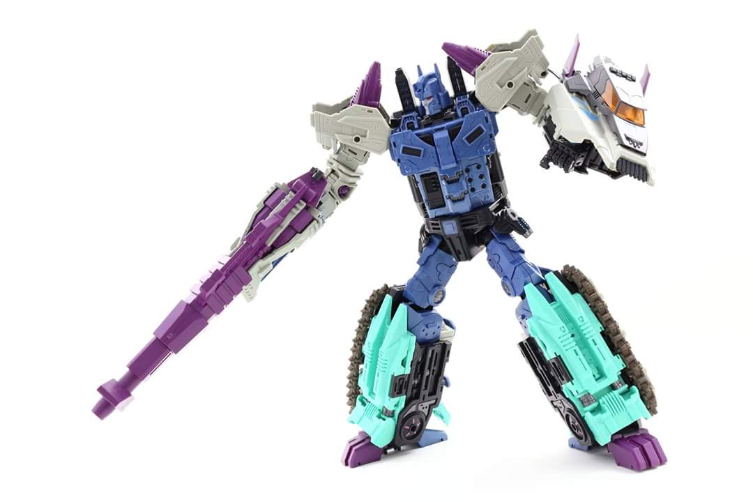 [Mastermind Creations] Produit Tiers - R-17 Carnifex - aka Overlord (TF Masterforce) - Page 3 HhSpboX0