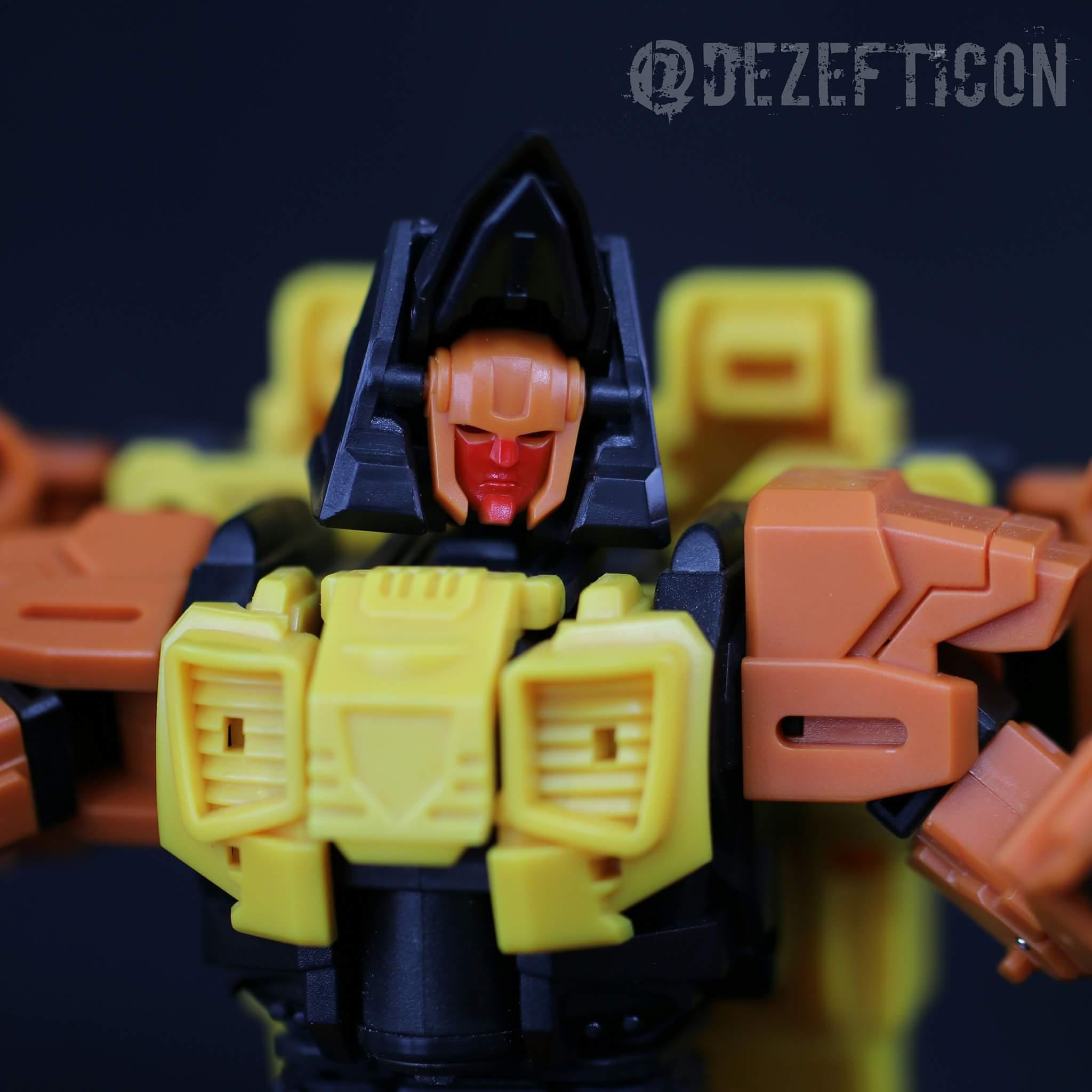 [Mastermind Creations] Produit Tiers - R-15 Jaegertron - aka Lockdown des BD IDW WaYBNnVK