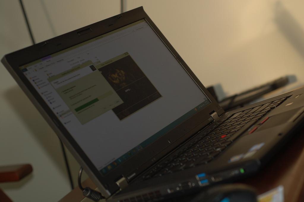 Đánh giá Lenovo ThinkPad W530, dòng máy trạm chuyên dụng, siêu bền Acg2LmIv