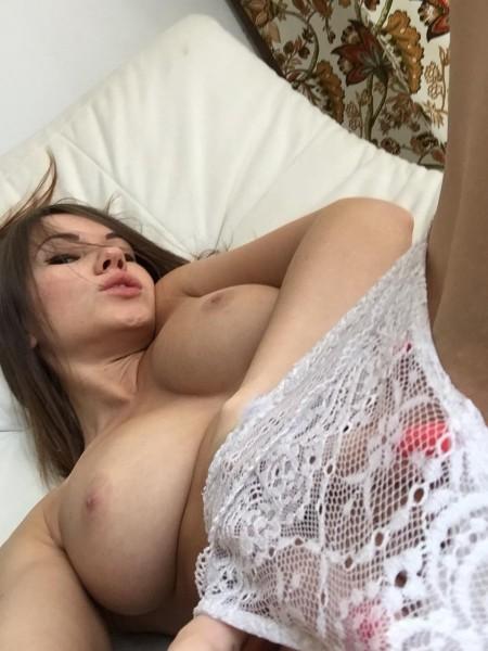 Esposa disfrutando sexo en grupo de ir 3