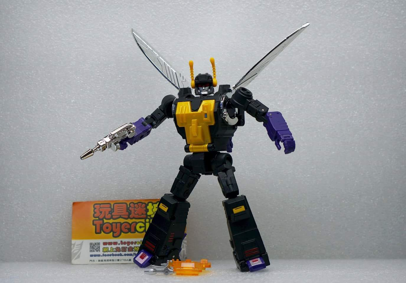 [Fanstoys] Produit Tiers - Jouet FT-12 Grenadier / FT-13 Mercenary / FT-14 Forager - aka Insecticons - Page 3 4cERUuC0