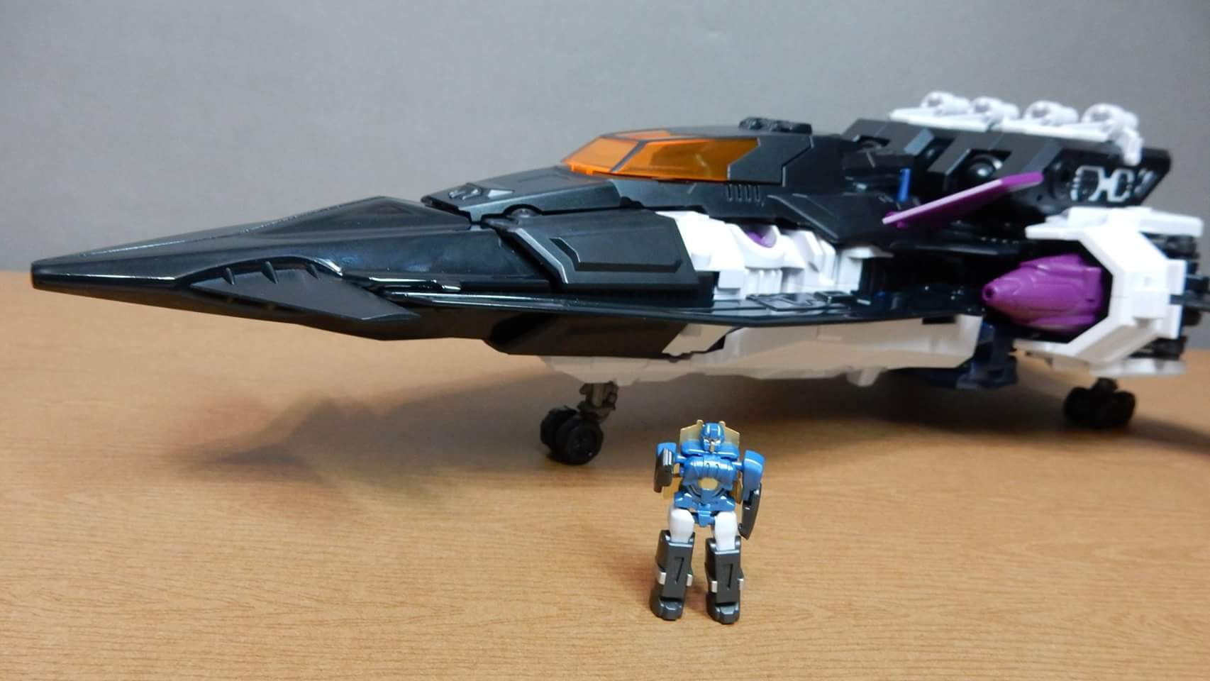 [Mastermind Creations] Produit Tiers - R-17 Carnifex - aka Overlord (TF Masterforce) - Page 3 XqNG2t2Z