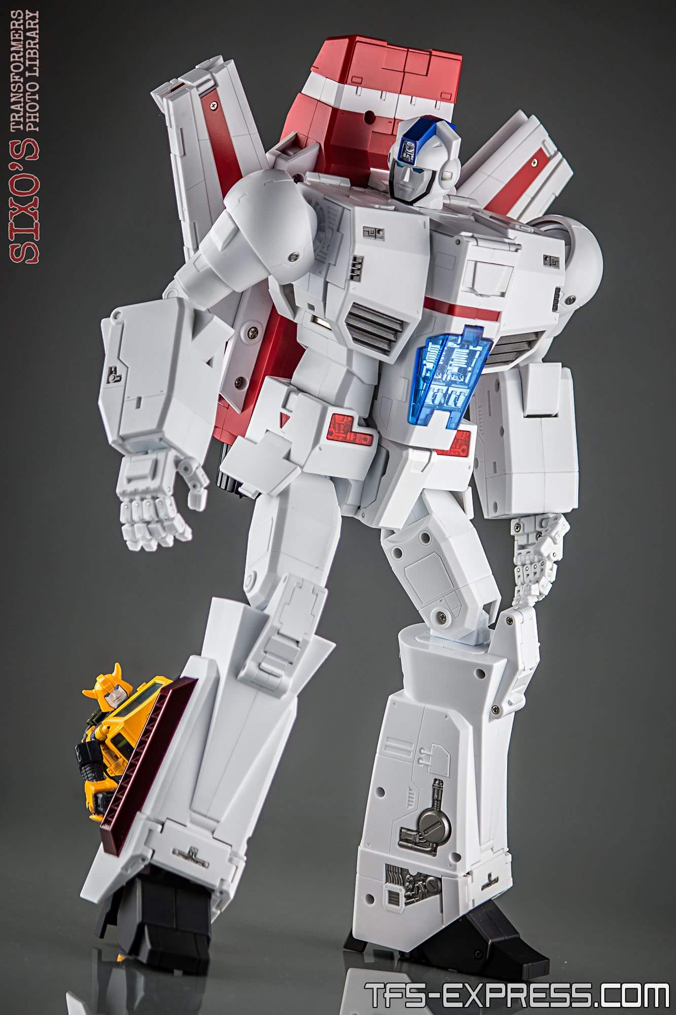 [Fanstoys] Produit Tiers - Jouet FT-10 Phoenix - aka Skyfire/Aérobo - Page 3 GURZABBI