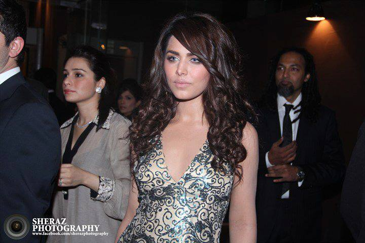 Ayyan - top model of Pakistan - Page 4 AcsxlkSI