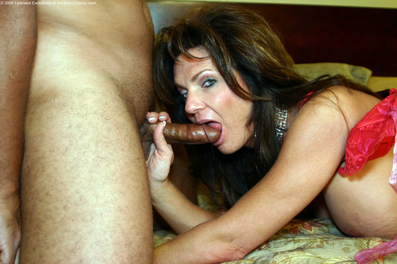 Deauxma Anal Squirt 102
