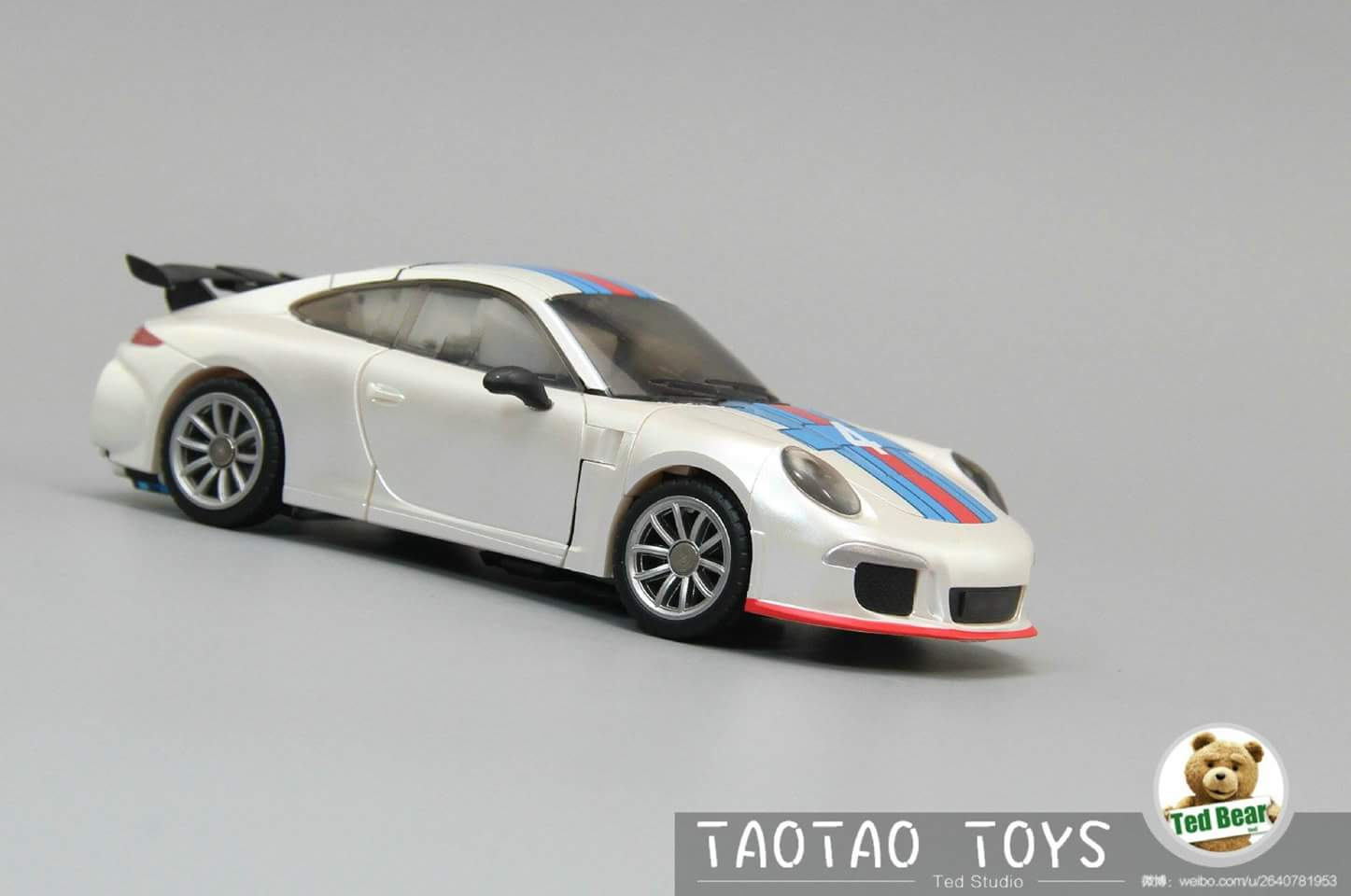 [Generation Toy] Produit Tiers - Jouets TF de la Gamme GT - des BD TF d'IDW - Page 2 Qg022OUU
