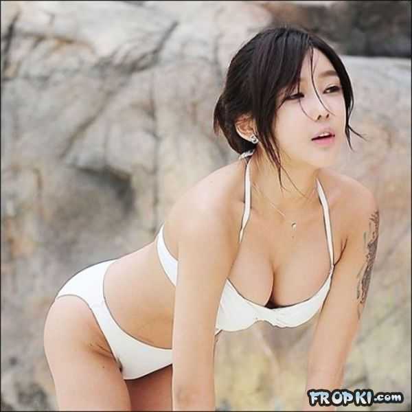 Sexiest Girls from Southeast Asia‏ AbnvknA4