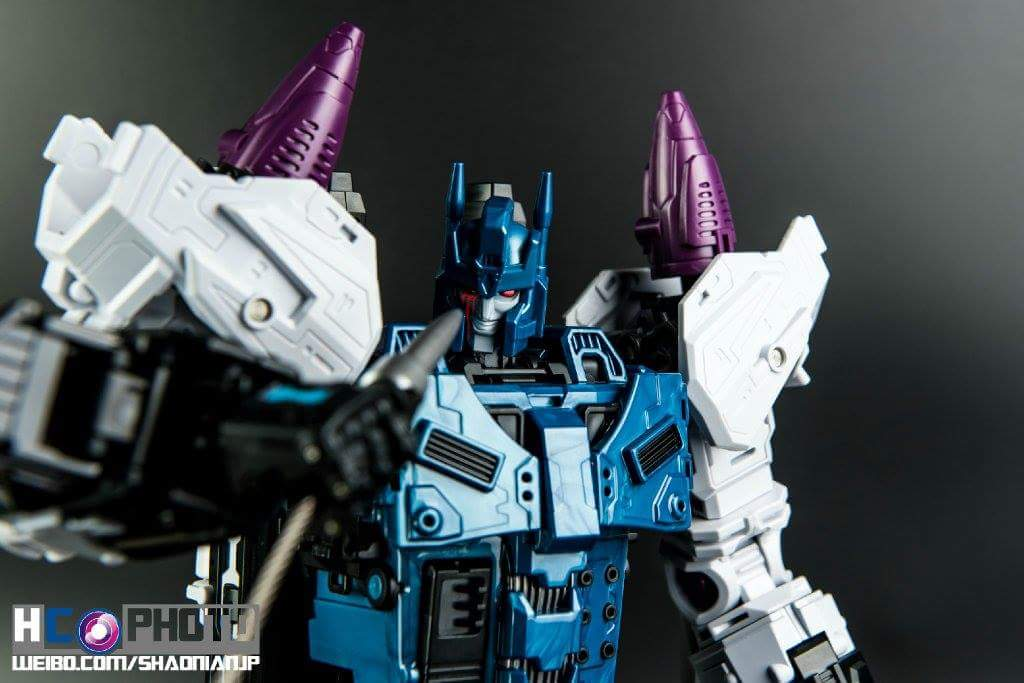 [Mastermind Creations] Produit Tiers - R-17 Carnifex - aka Overlord (TF Masterforce) - Page 3 GV9GAfhe