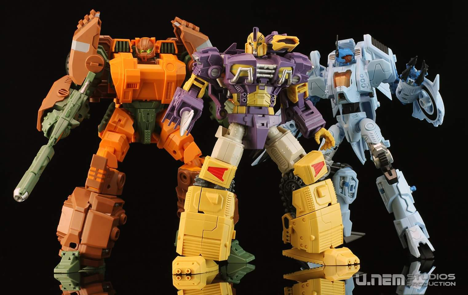 [Mastermind Creations] Produit Tiers - R-23 Dicamus - aka Roadbuster/Cahot des Wreckers IDW CBCTpdt3