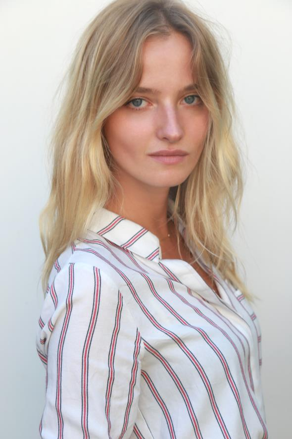 Amanda Norgaard Nude Photos 6