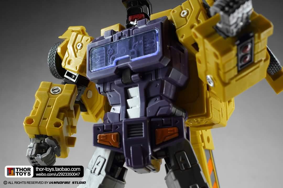 [Toyworld] Produit Tiers - Jouet TW-C Constructor aka Devastator/Dévastateur (Version vert G1 et jaune G2) - Page 8 OqxuLrgw