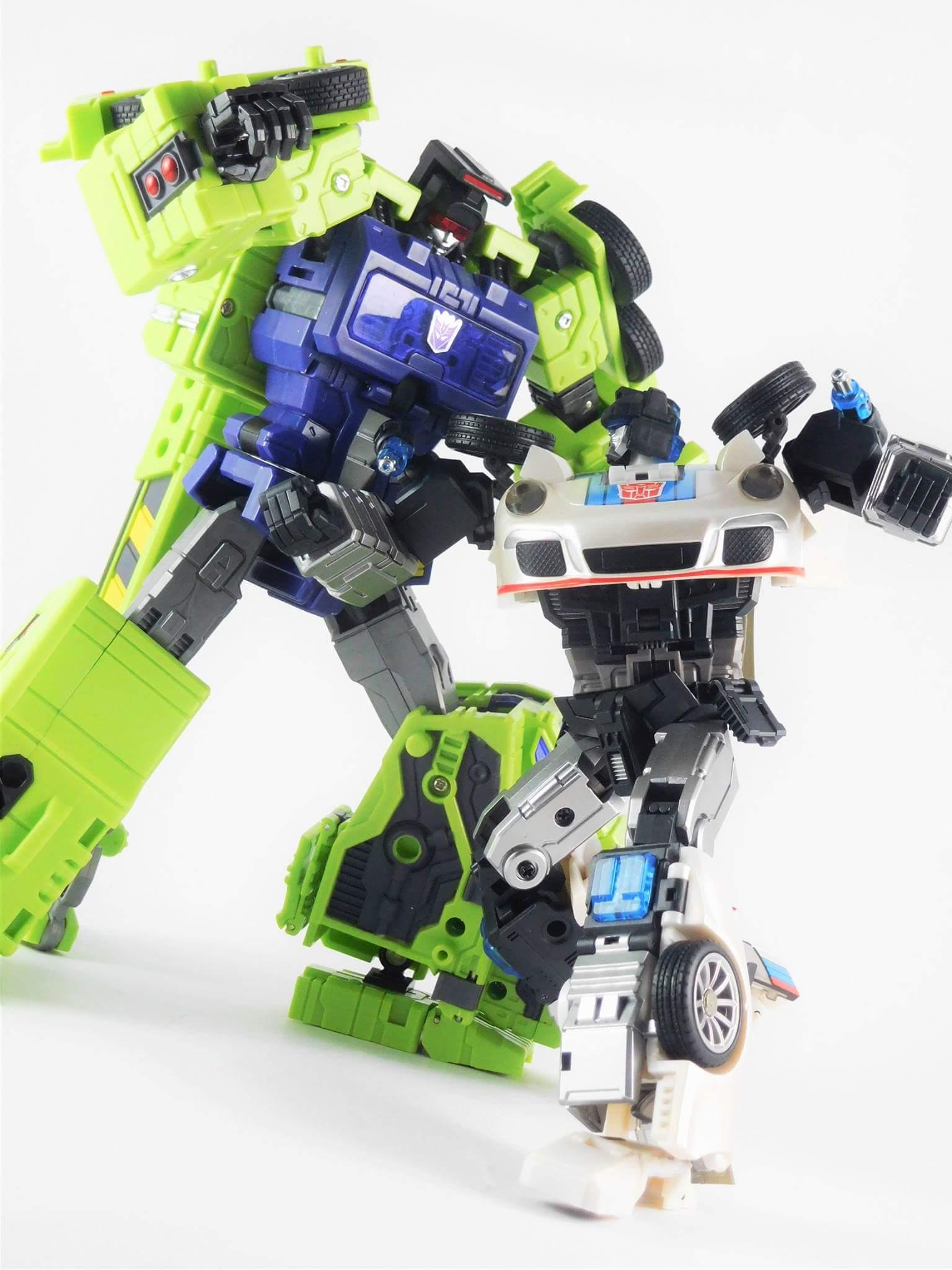 [Generation Toy] Produit Tiers - Jouets TF de la Gamme GT - des BD TF d'IDW - Page 2 Vt43hQ2k