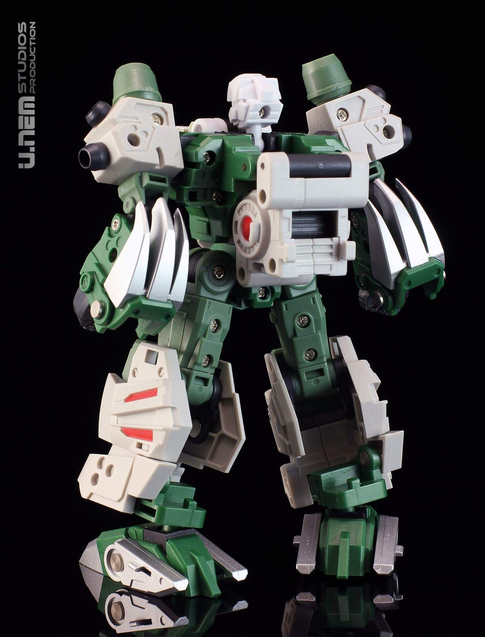 [FansProject] Produit Tiers - Jouet Saurus Ryu-oh aka Dinoking (Victory) | Monstructor (USA) - Page 3 B58xjp3G