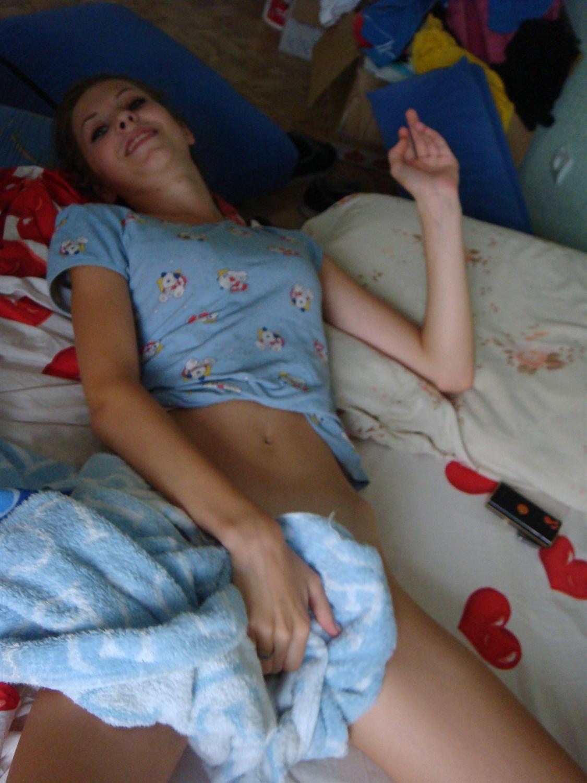 image Skinny teen princess strip tease
