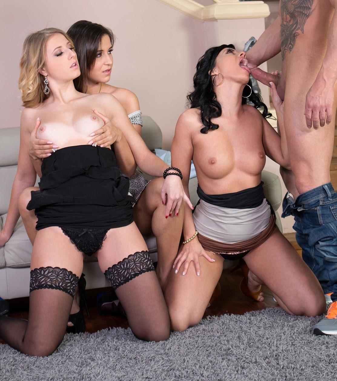 Aria Logan, Vicky Love y Cindy  - una verga para tres chicas