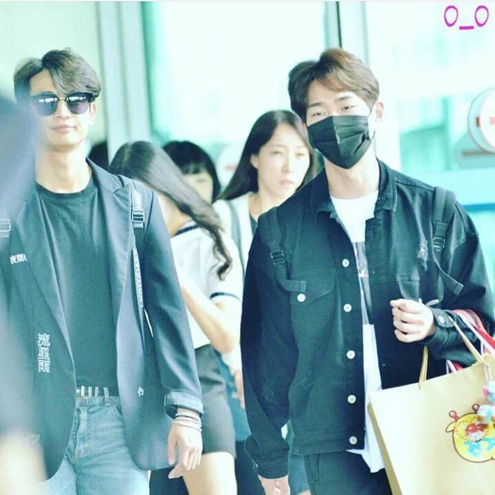 [IMG/160718] Onew, Jonghyun, Key, Minho @Aeropuerto de Kansai e Incheon (Jap-Cor) ESQNjV3Q