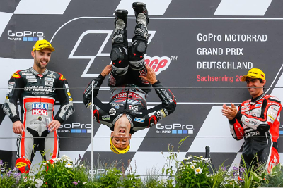 Johann Zarco, bicampeón del mundo de Moto2 JxpMuWtU