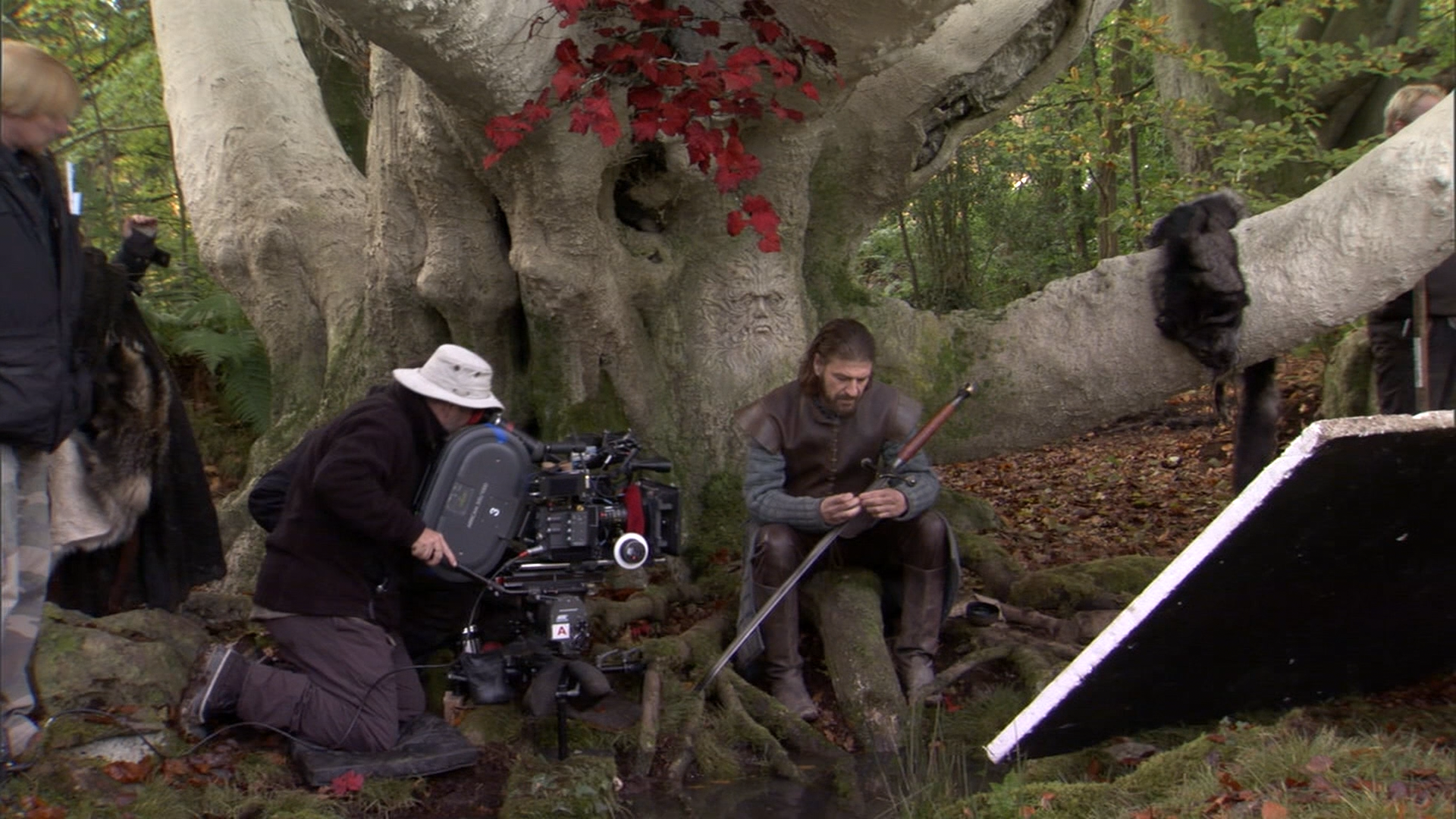 Game Of Thrones S02 EXTRAS 1080p BluRay DTS x264-PublicHD preview 29