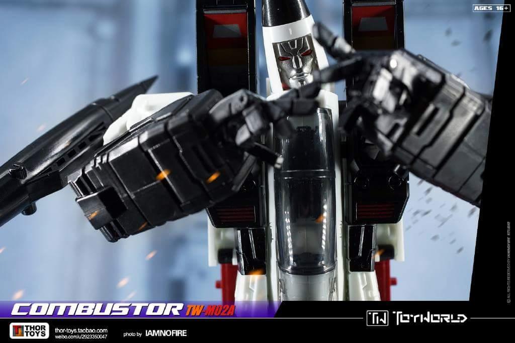 [ToyWorld] Produit Tiers - TW-M02A Combustor (Ramjet/Statoréacto), TW-M02B Assault (Thrust/Fatalo), TW-M02C Requiem (Dirge/Funébro) - Page 3 B2l6KKJh