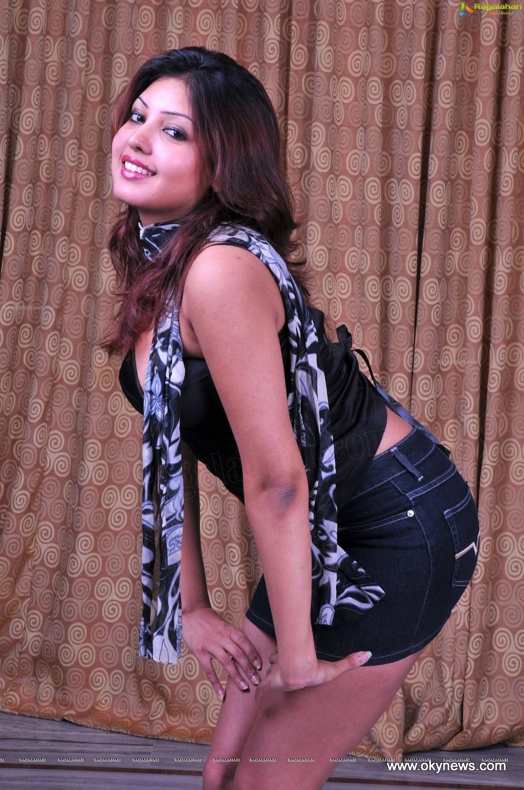 Komal Jha Latest Hot Photoshoot Stills#1 13 images Ado4WdQV