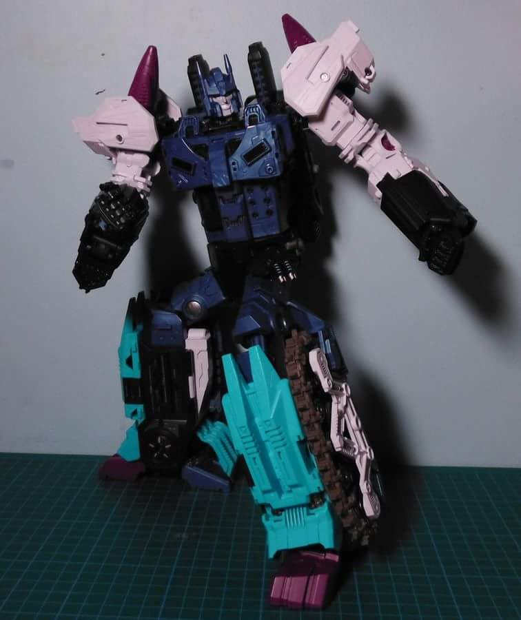 [Mastermind Creations] Produit Tiers - R-17 Carnifex - aka Overlord (TF Masterforce) - Page 3 RTfrtR8u