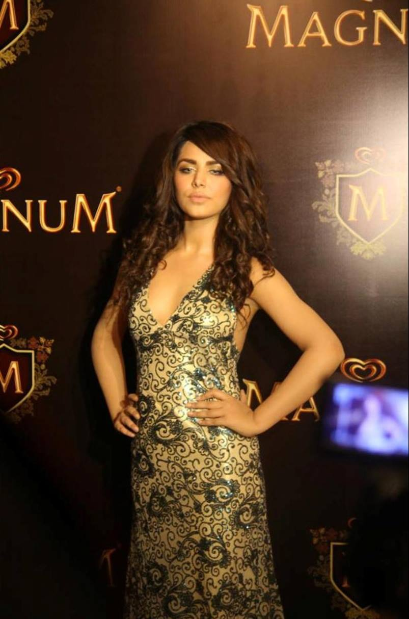 Ayyan - top model of Pakistan - Page 4 AbkKCfp2