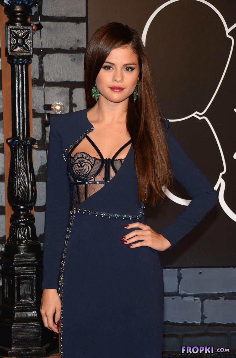 Selena Gomez - 2013 MTV Video Music Awards in NY AcvZisjn
