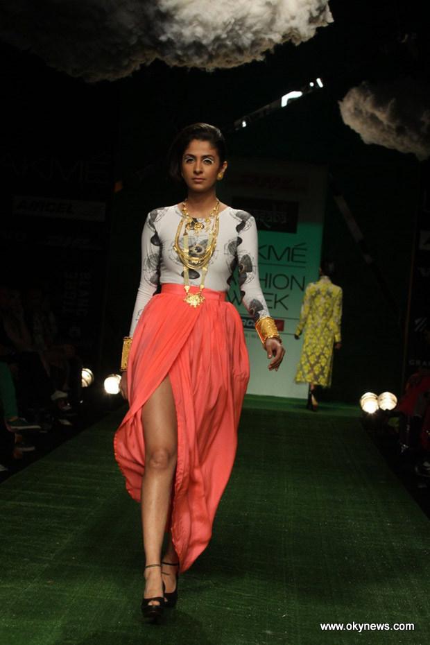 Celebs Hot at Lakme Fashion Week Photos AdjPs7uC