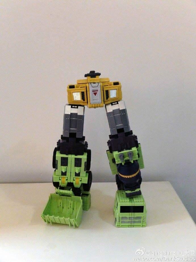 [Toyworld] Produit Tiers - Jouet TW-C Constructor aka Devastator/Dévastateur (Version vert G1 et jaune G2) - Page 8 4bcMe8BG