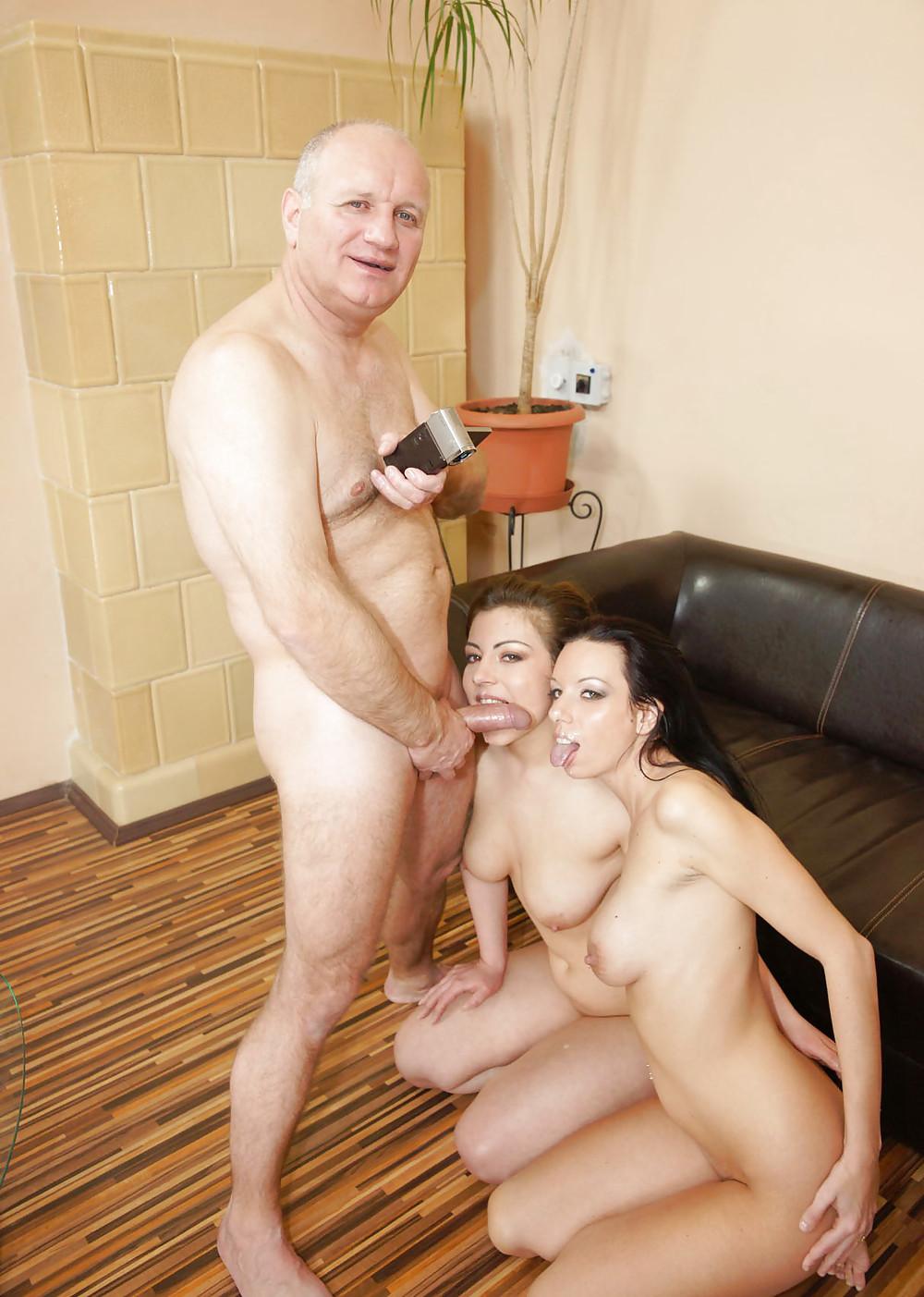 Viejos Con Chicas J Venes