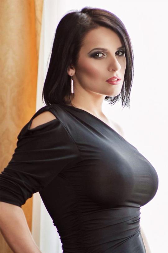 nsfw big tits big boobs babes