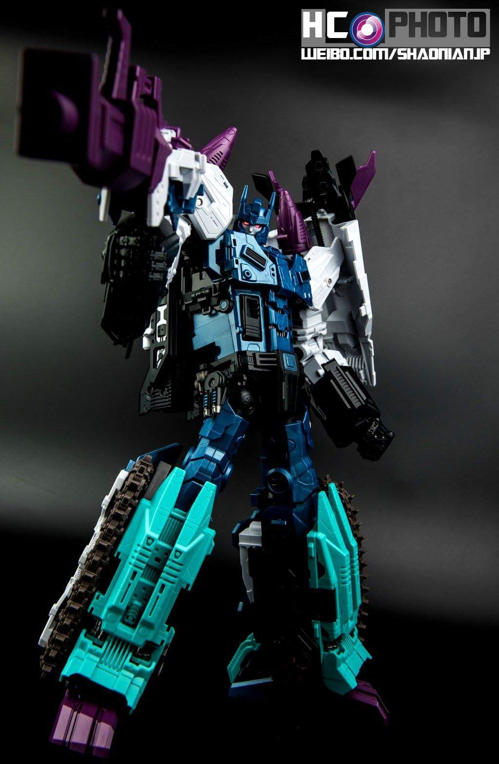 [Mastermind Creations] Produit Tiers - R-17 Carnifex - aka Overlord (TF Masterforce) - Page 3 KcUJQw4f