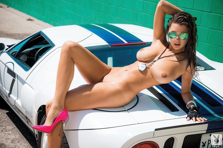 фото голые девушки и автомобили