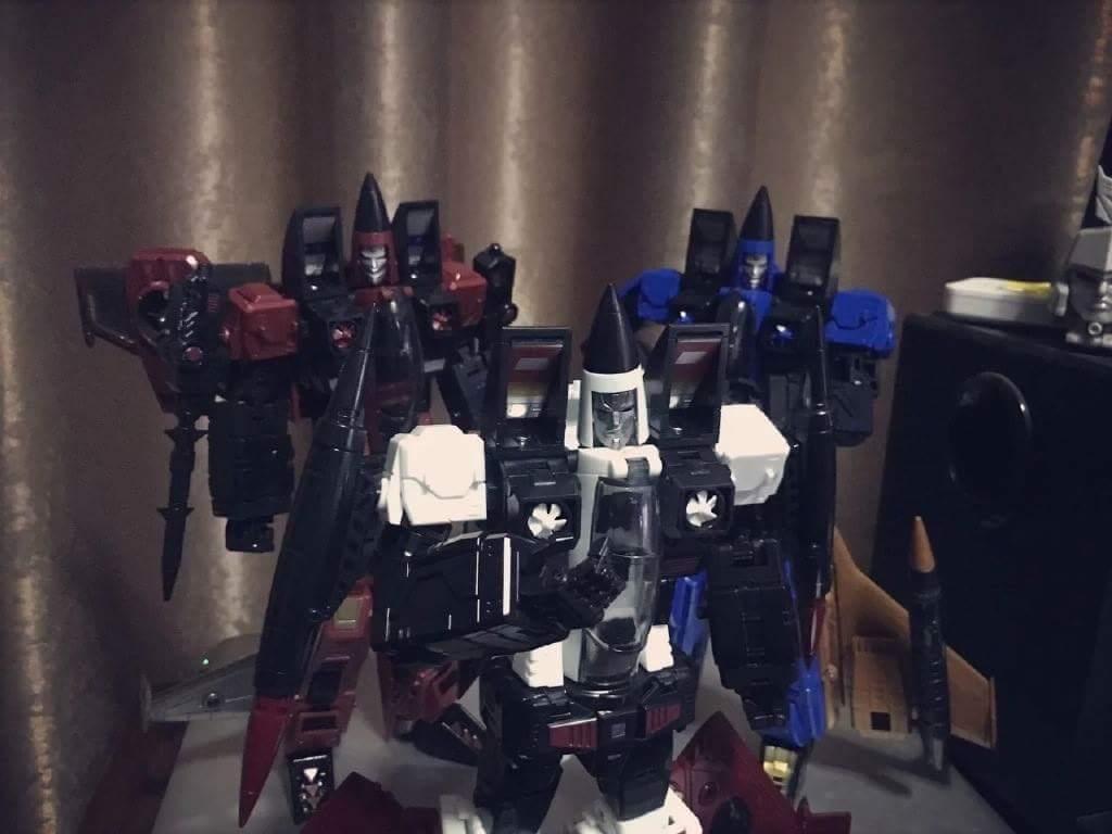 [ToyWorld] Produit Tiers - TW-M02A Combustor (Ramjet/Statoréacto), TW-M02B Assault (Thrust/Fatalo), TW-M02C Requiem (Dirge/Funébro) - Page 3 L5KQ3wku