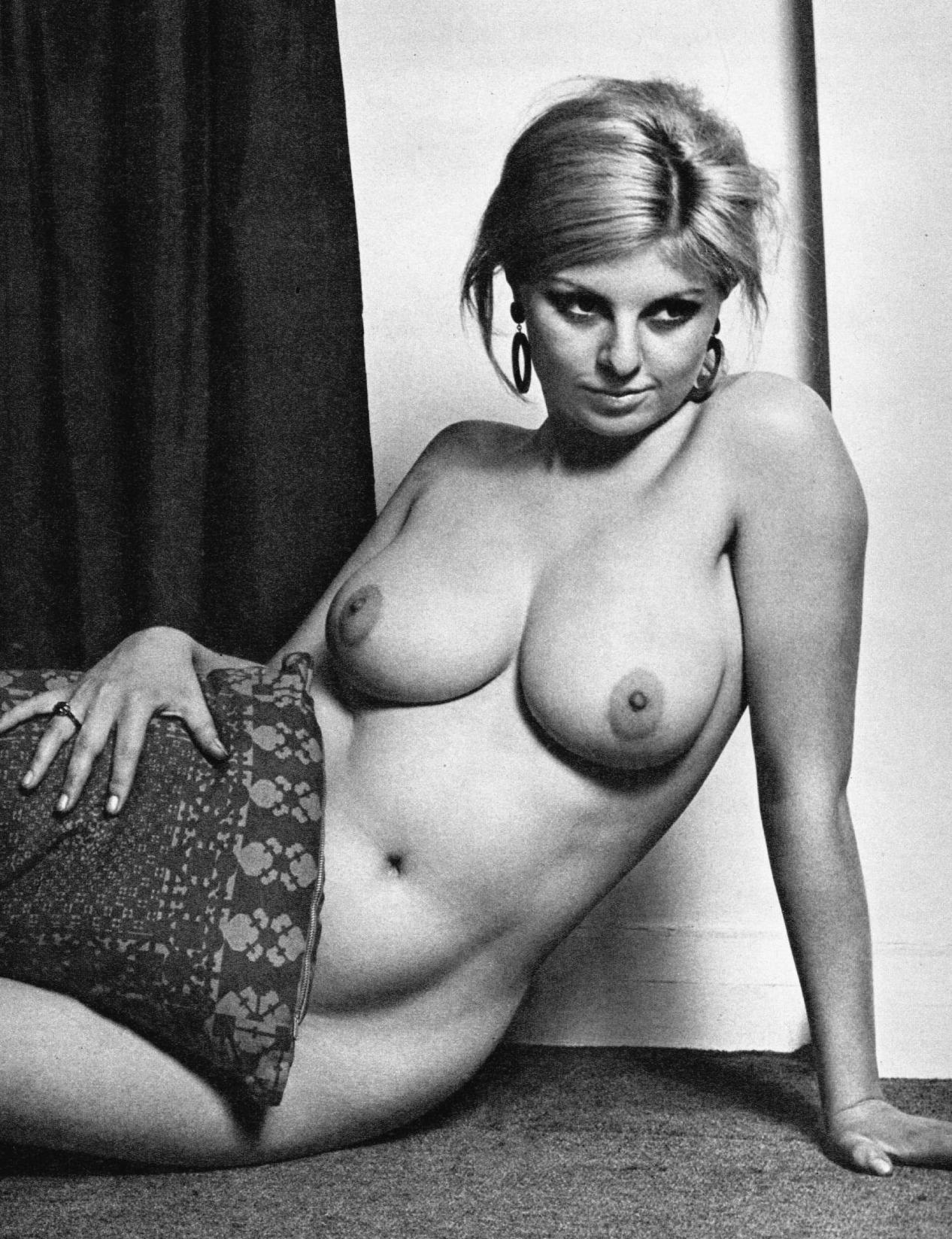 Смотреть онлайн сексуальная вакханалия bacchanales sexuelles 26 фотография
