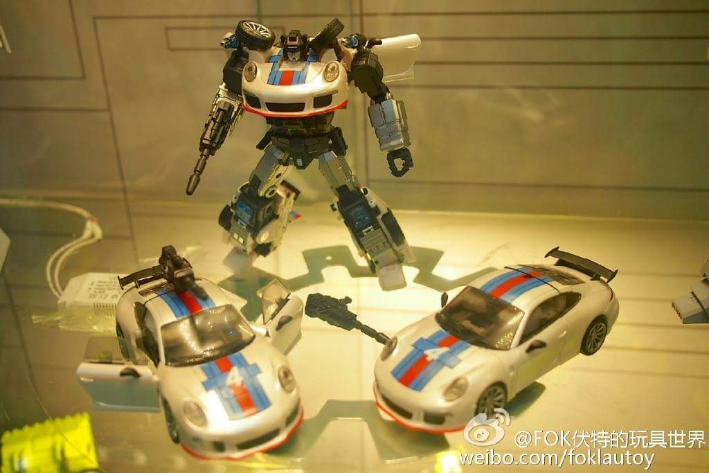 [Generation Toy] Produit Tiers - Jouets TF de la Gamme GT - des BD TF d'IDW - Page 2 JPo0STxI
