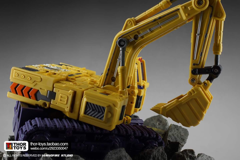 [Toyworld] Produit Tiers - Jouet TW-C Constructor aka Devastator/Dévastateur (Version vert G1 et jaune G2) - Page 8 TUUD0lYz