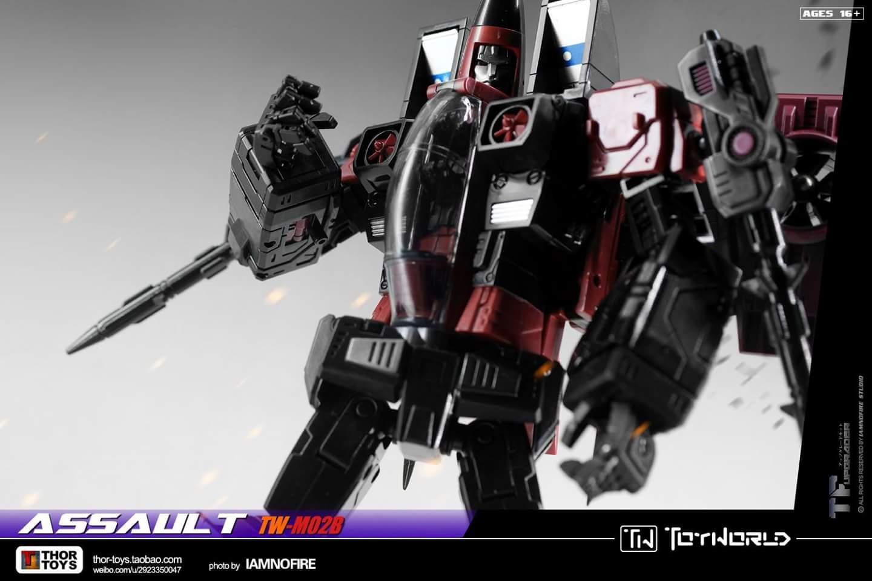 [ToyWorld] Produit Tiers - TW-M02A Combustor (Ramjet/Statoréacto), TW-M02B Assault (Thrust/Fatalo), TW-M02C Requiem (Dirge/Funébro) - Page 3 IhoV4nIQ