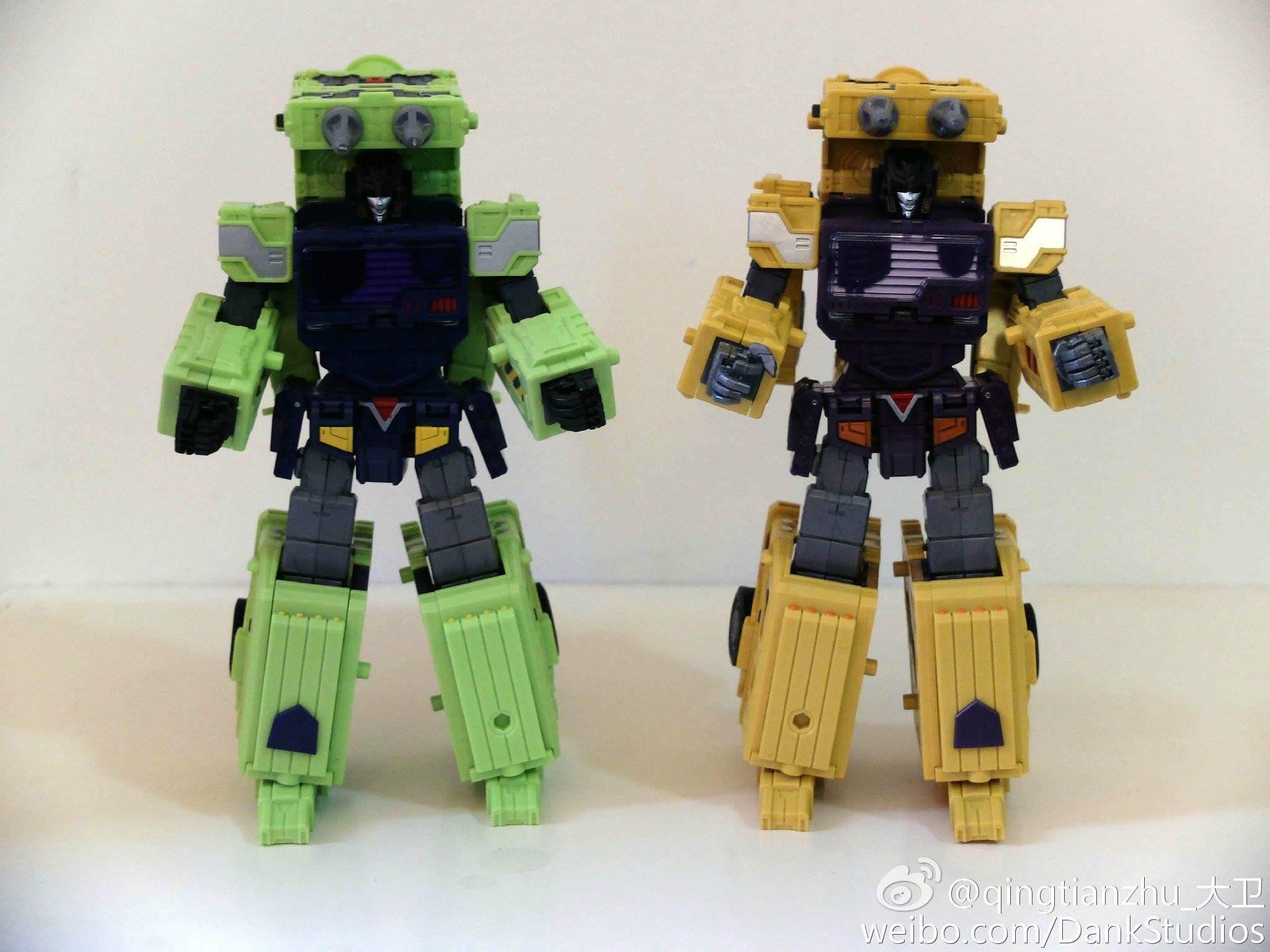 [Toyworld] Produit Tiers - Jouet TW-C Constructor aka Devastator/Dévastateur (Version vert G1 et jaune G2) - Page 8 IqM6YPnY