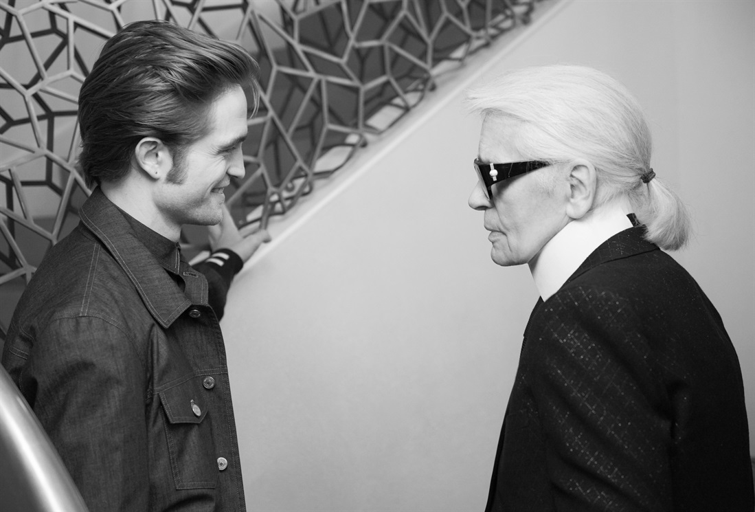 0acf49af5708 VogueItalia - Robert Pattinson per Dior Homme  Behind The Scenes