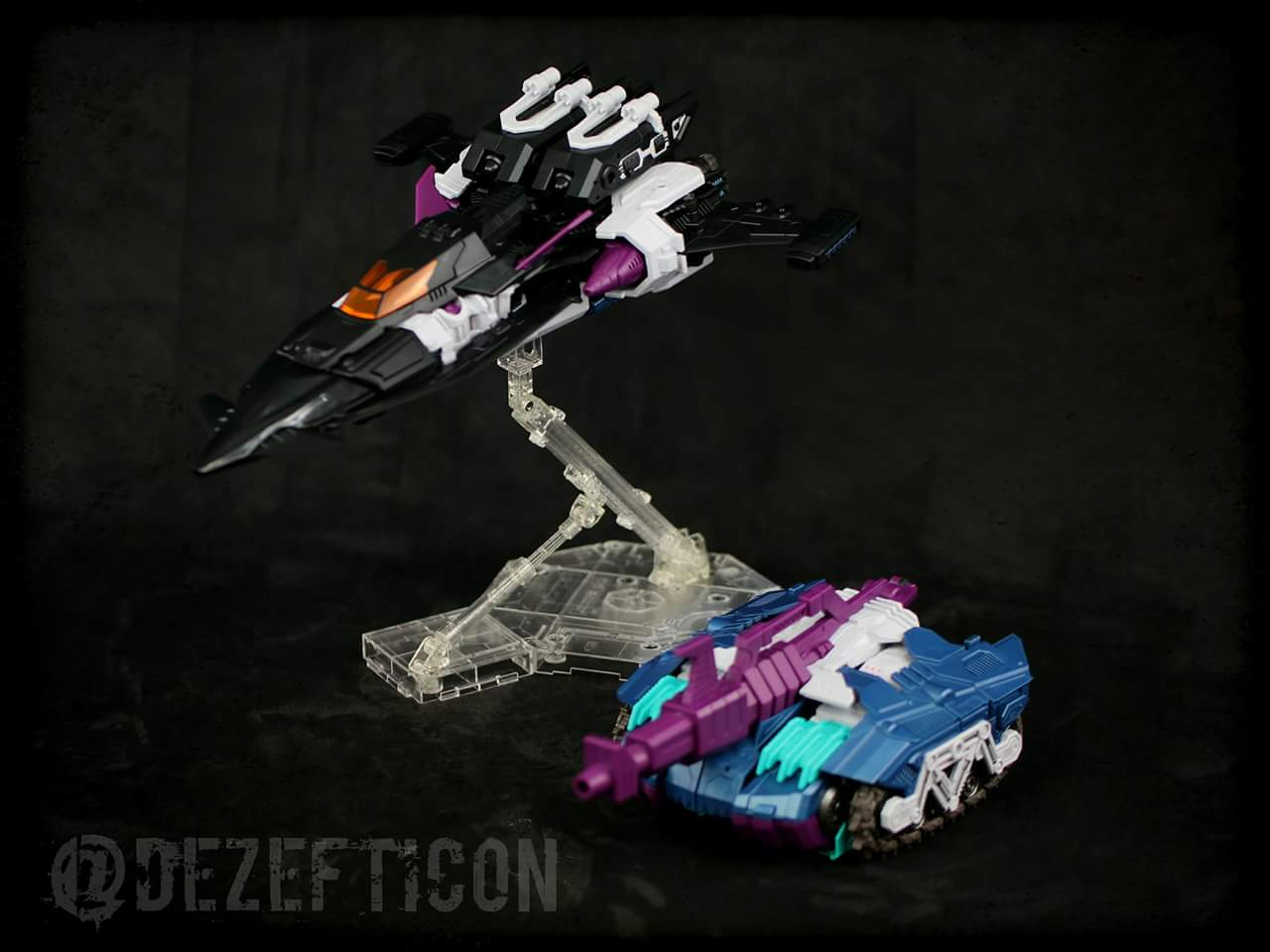 [Mastermind Creations] Produit Tiers - R-17 Carnifex - aka Overlord (TF Masterforce) - Page 3 KMTmE4Nl