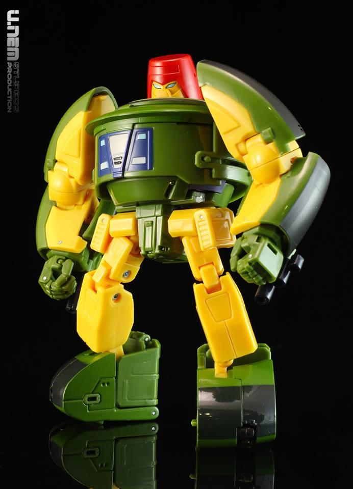 [Ocular Max] Produit Tiers - Minibots MP - PS-09 Hellion (aka Cliffjumper/Matamore), PS-11 Omne - (aka Cosmos) CGvIkPqd