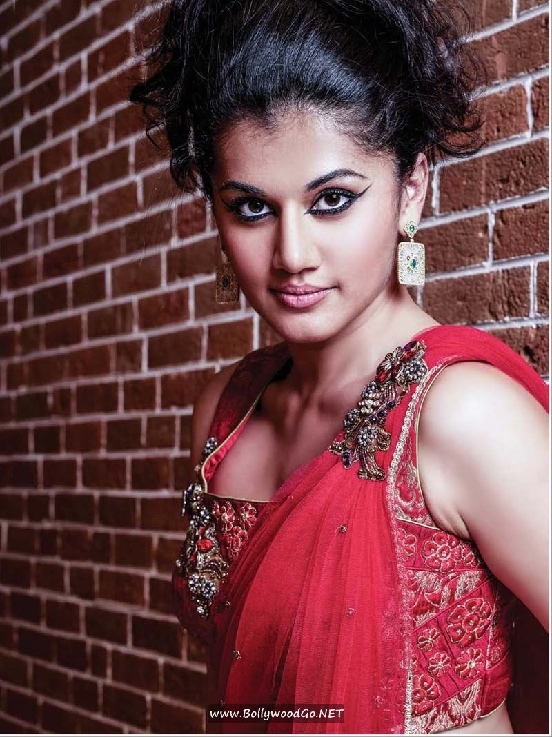 Tapsee Pannu Sizzling New Photoshoot Stills AbiS83Rn